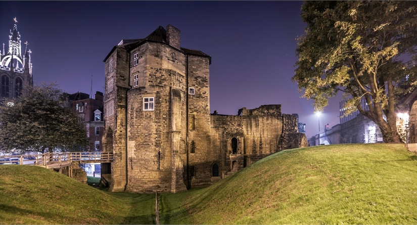 Black and White Friars - guided history tour of Newcastle's Castle & surrounding area!